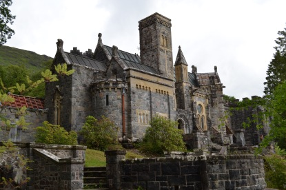 According to wikipedia, the church is renowned for the fragment of bone that is rumoured to have come from Robert the Bruce, King of Scotland.